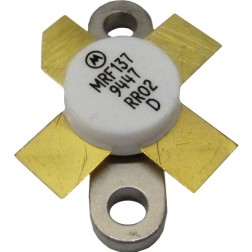 MRF137-MOT Transistor, Motorola, 30 watt, 28v, 400 MHz