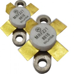 MRF221MP NPN Silicon RF Power Transister, Matched Pair, 12.5 V, 175 MHz, 15 W, Motorola